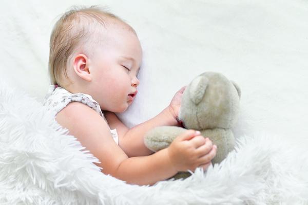 آموزش خواب به نوزاد