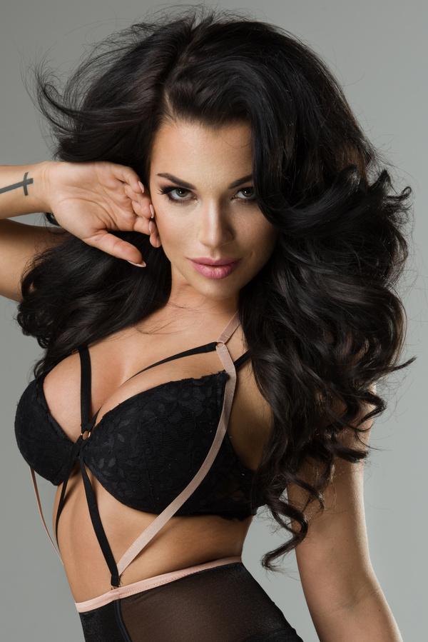 Brunette Model Pictures 74