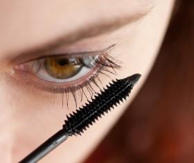 Brush eyelashes female