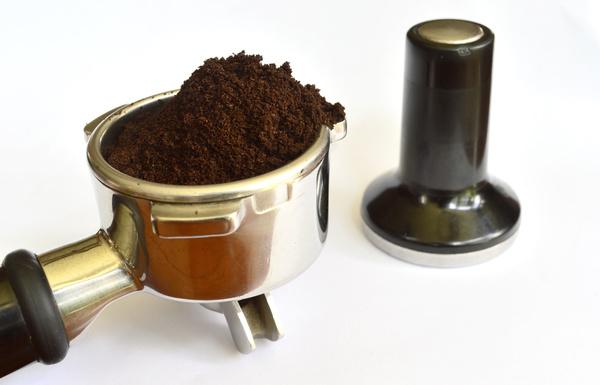 Coffee Maker Coffee Powder : Coffee machine grinding coffee powder photo - Food stock photo free download