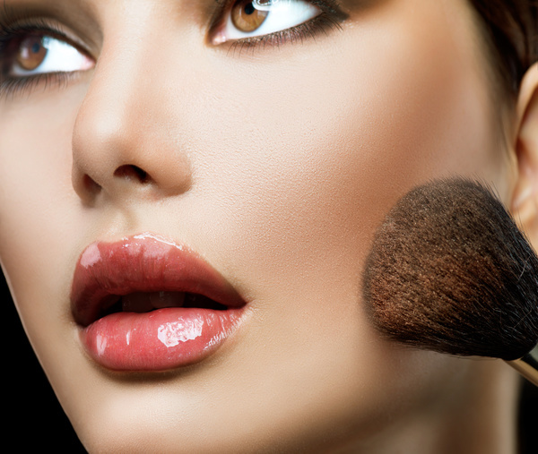 beauty makeup foundation to fight women