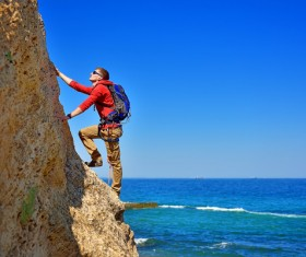 Free-hand climbing enthusiasts HD picture