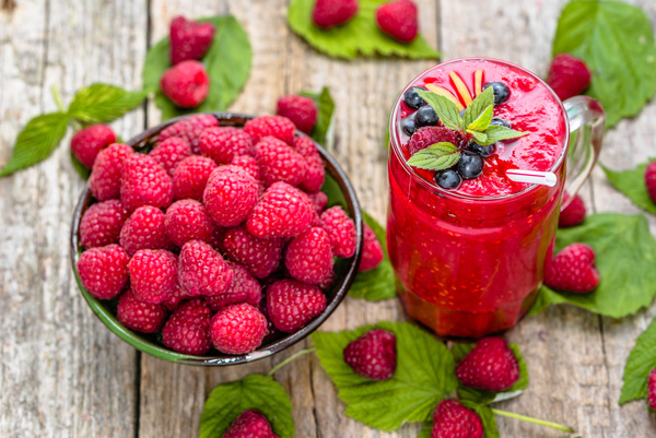 Raspberry and raspberry smoothie HD picture
