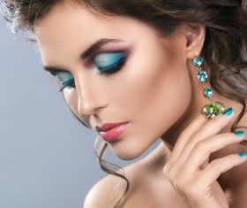 Alluring woman with makeup and beautiful jewelry HD picture 01