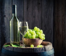 Cask on the wine with wineglass, grapes HD picture