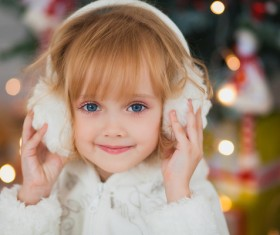 Cute little girl HD picture