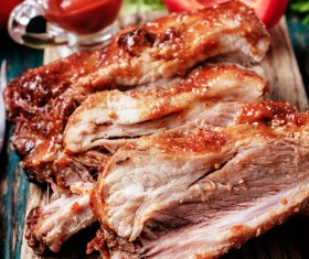 Delicious grilled pork ribs HD picture