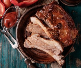Delicious grilled pork ribs with spicy sauce HD picture 03