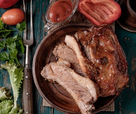 Delicious grilled pork ribs with spicy sauce HD picture 04