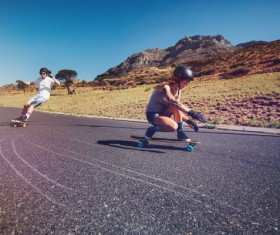 Highway skateboard lovers HD picture