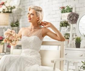 Pretty bride with bouquet HD picture