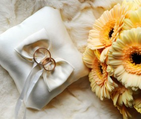 Wedding Rings with bouquets HD pictures