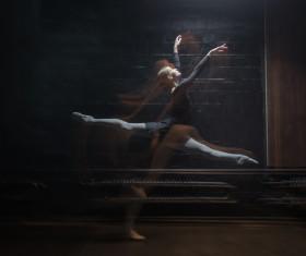 Charismatic ballet dancer HD picture 10