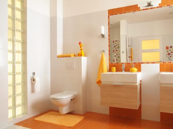 Оранжевая плитка в ванной дизайн