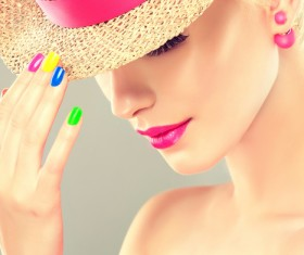 Elegant makeup and colorful nails HD picture 04
