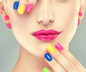 Elegant makeup and colorful nails HD picture 05