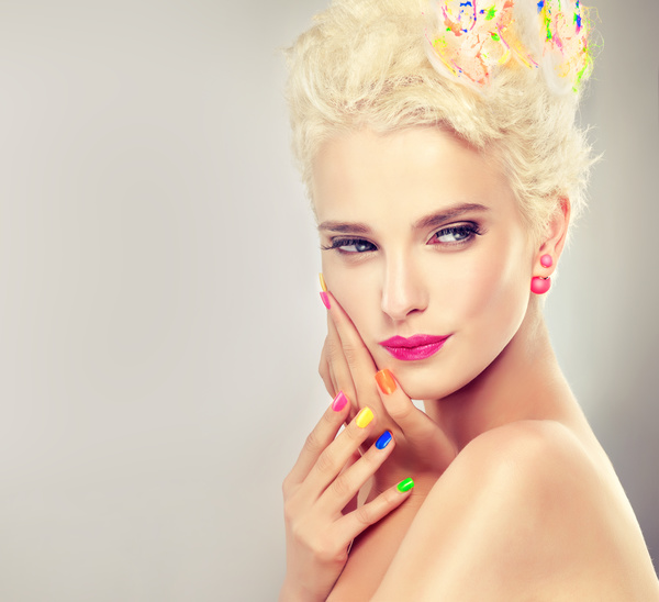 Elegant makeup and colorful nails HD picture 06 free download