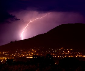 Flash of lightning HD picture 03
