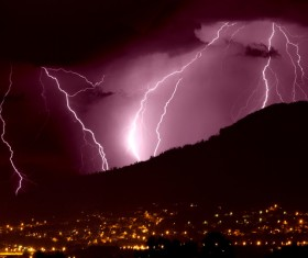 Flash of lightning HD picture 04