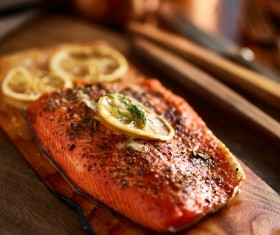 Grilled salmon with lemon slices of vanilla HD picture 01