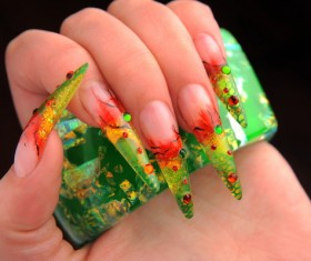Stylish color diamond nail HD picture