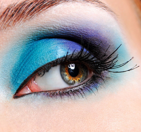 Blue eye makeup HD picture