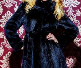 Fashion beautiful blonde woman wearing mink fur coat HD picture 01