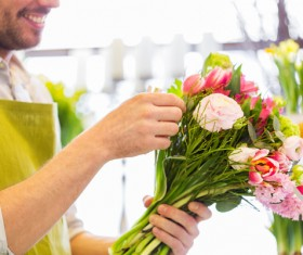 Finishing bouquet man HD picture