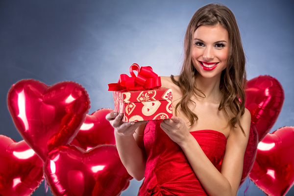 Smiling girl with a Valentines gift HD picture 02  sc 1 st  FreeDesignFile & Smiling girl with a Valentines gift HD picture 02 free download