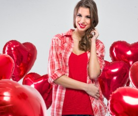 Smiling girl with a Valentines gift HD picture 07