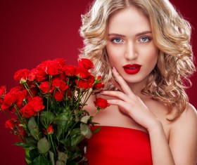 Beautiful blonde woman holding bouquet of red roses HD picture 05