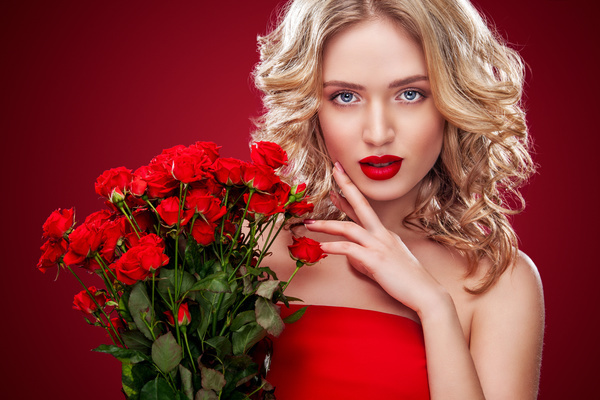 Beautiful blond with roses picture 404