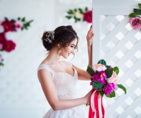Beautiful girl holding a bouquet HD picture 02
