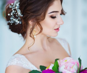 Beautiful girl holding a bouquet HD picture 03