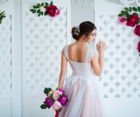 Beautiful girl holding a bouquet HD picture 07