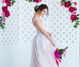 Beautiful girl holding a bouquet HD picture 08
