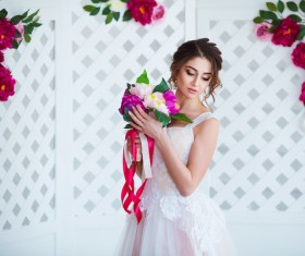 Beautiful girl holding a bouquet HD picture 10