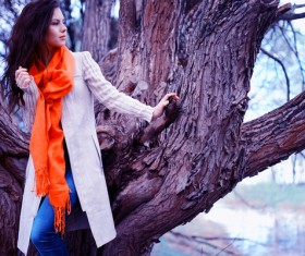 Beautiful girl with a tree photo HD picture 01