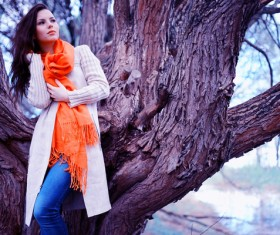 Beautiful girl with a tree photo HD picture 02