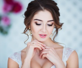 Beautiful young woman HD picture