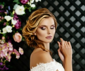 Dignified beauty woman with flower baskets HD picture 08