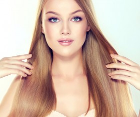 Fashion girl makeup and beautiful hair HD picture 02