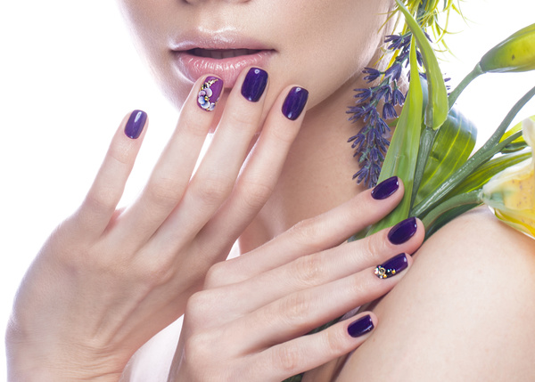 Girl with flowers and nail manicure hd picture 03 beauty - Nails wallpaper download ...