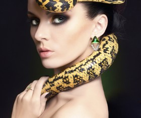Girl with snake HD picture 01