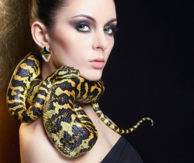 Girl with snake HD picture 02