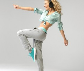 Girls with music and dance HD picture