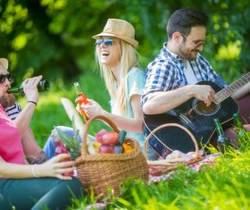 Happy young friend picnic HD picture 01