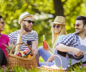 Happy young friend picnic HD picture 05