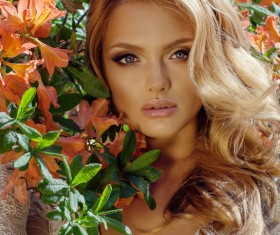 Blonde beautiful woman with flowers 01