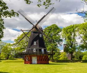 Dutch windmill HD picture